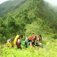 Perjalanan Panjang Menuju Puncak Gunung Prau Dieng