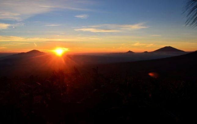 Kisah Pendakian Gunung Sindoro