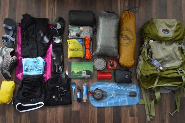 Packing peralatan untuk pendakian