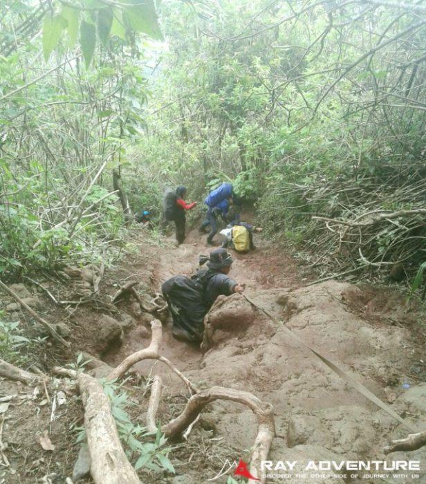 Jalur turun gunung Manglayang