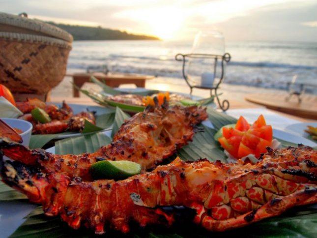 Cafe seafood bakar Jimbaran Bali