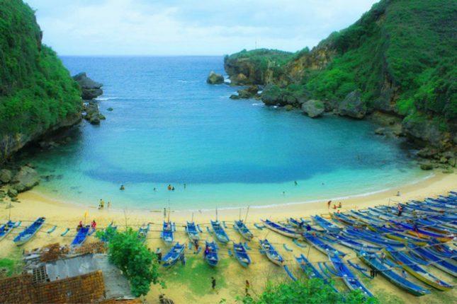 Pantai Baron Gunungkidul Jogja