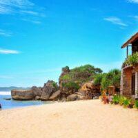 Keelokan Pantai Indrayanti Memanjakan Wisatawan Yang Datang