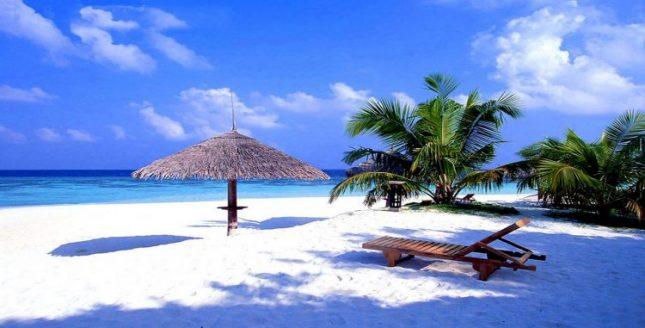 Keindahan alam pantai Kuta di Lombok