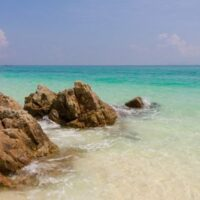 Deretan 8 Pantai Sawarna Ini Menyimpan Pesona Tersembunyi