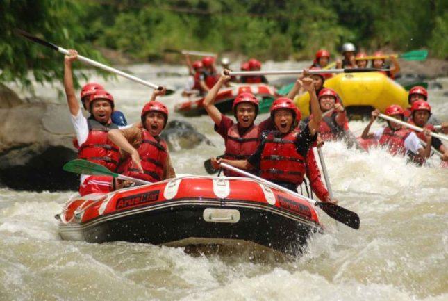 Arung jeram sungai Citarum