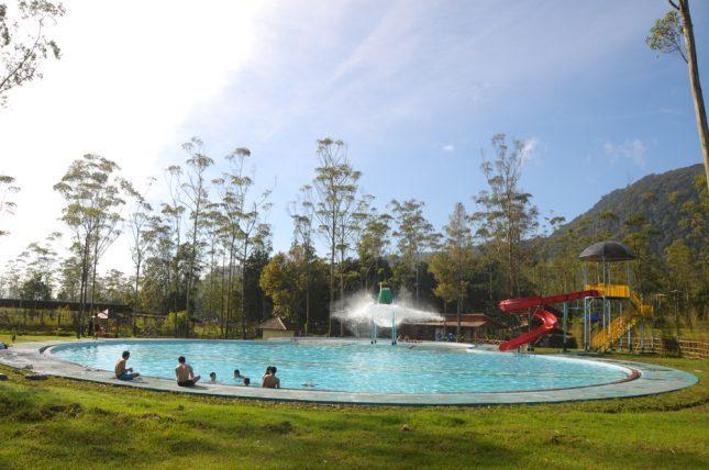 Kolam air hangat di Rancaupas