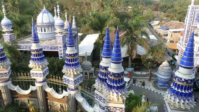 Tempat wisata di Jawa Timur : Masjid Tiban Turen
