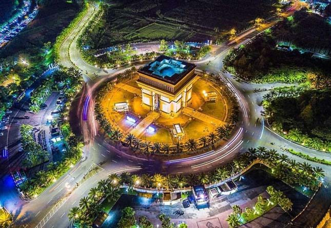 Monumen SImpang Lima Kediri