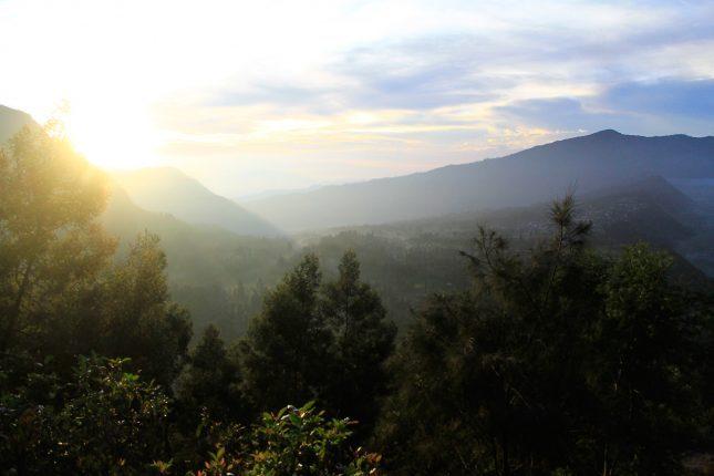 Matahari terbit di gunung Bromo
