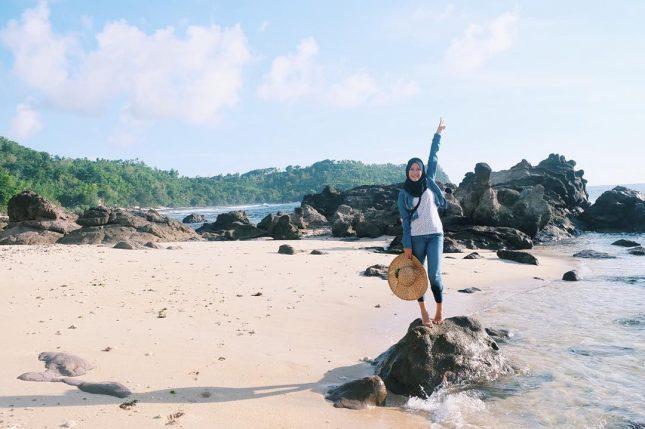 Keindahan pasir pantai Nampu Wonogiri