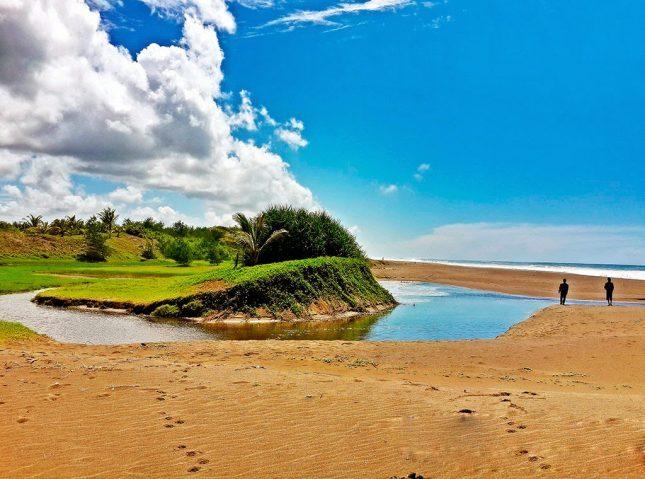 Laguna di pantai Bopong