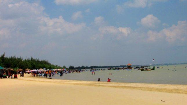 Destinasi pantai Karang Jahe Rembang