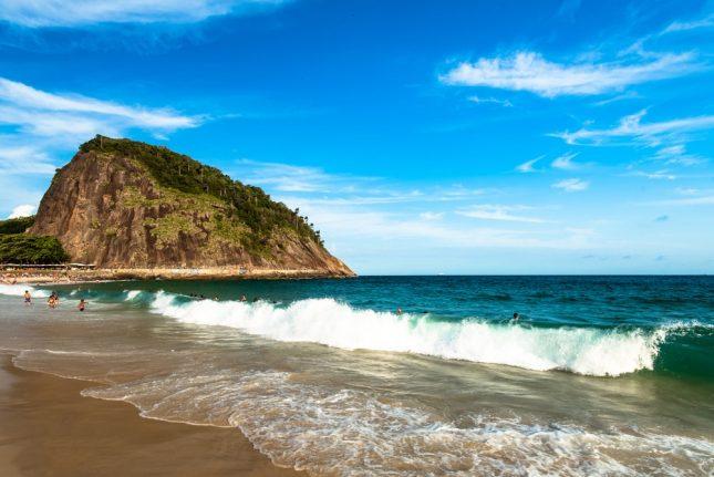 Wisata pantai Nampu Wonogiri