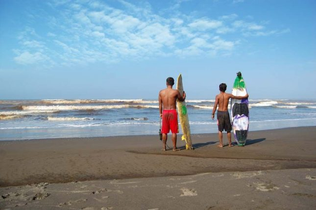 Wisata pantai Widarapayung Cilacap
