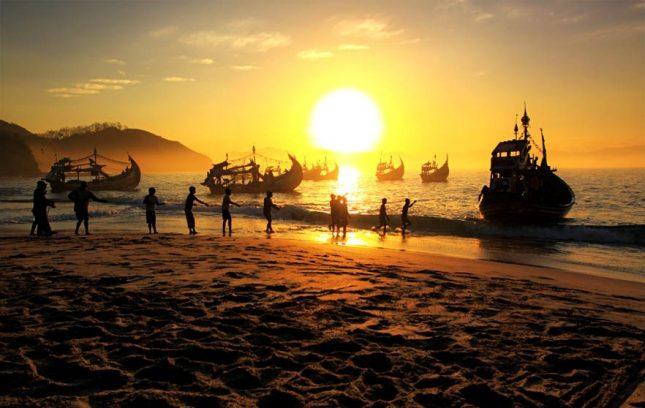 Sunset di pantai Papuma Jember