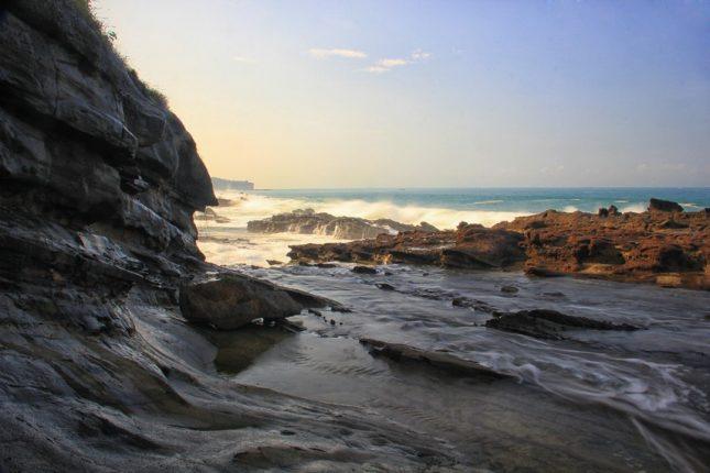 Berwisata ke pantai Karang Taraje Banten