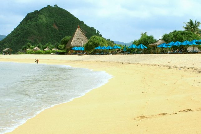 Destinasi wisata pantai Kuta Lombok