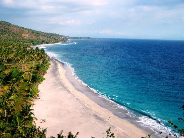 Destinasi pantai Senggigi Lombok