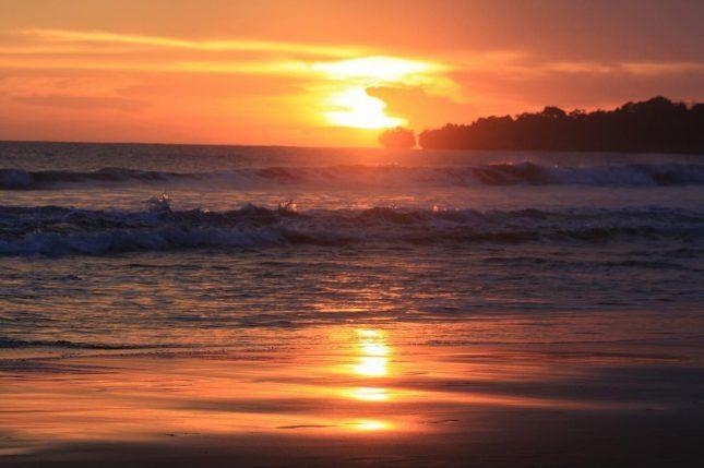 Sunset di pantai Ciantir