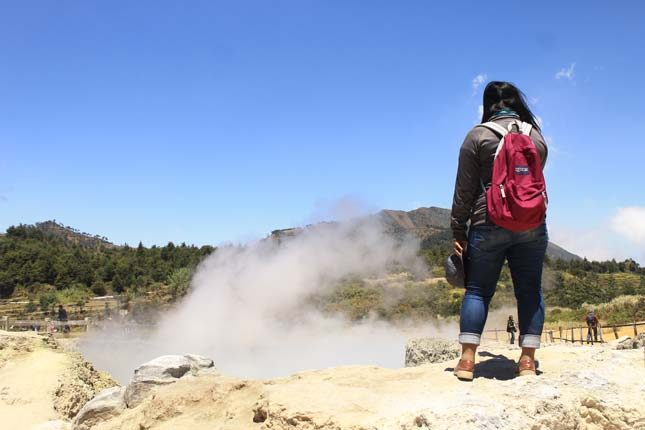 Pesona fenomena alama kawah Sikidang