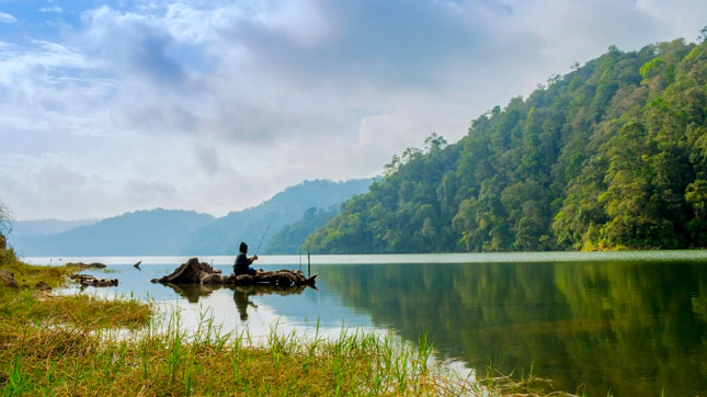Pesona keindahan danau Lau Kawar Medan