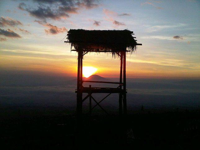 Panorama matahari terbit di Alam Sewu Temanggung