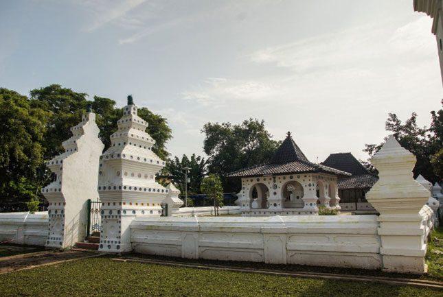 Tempat wisata di Jawa barat : Keraton Kanoman