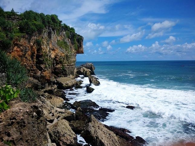 Destinasi pantai Ngobaran