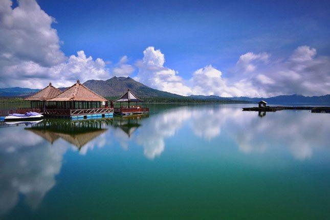 Pemandangan indah di sekitar danau Batur Kintamani