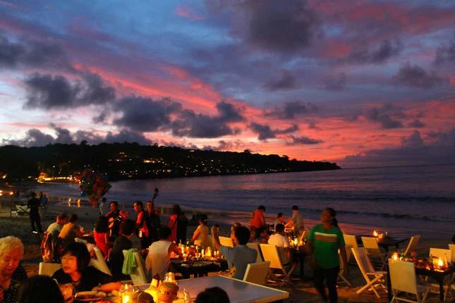 Kawasan wisata pantai Jimbaran Bali