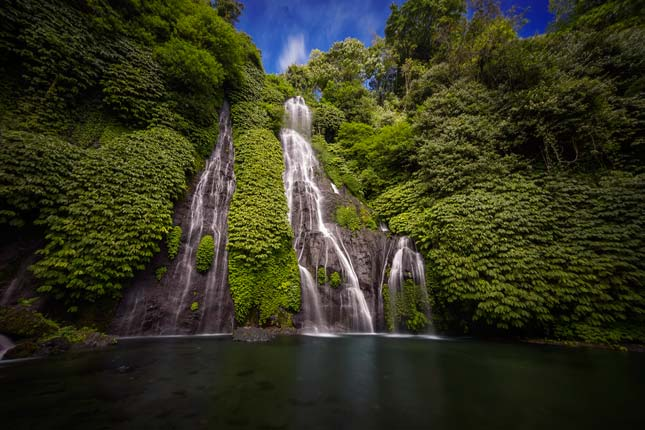 Keindahan air terjun Banyumala Bali yang mempesona