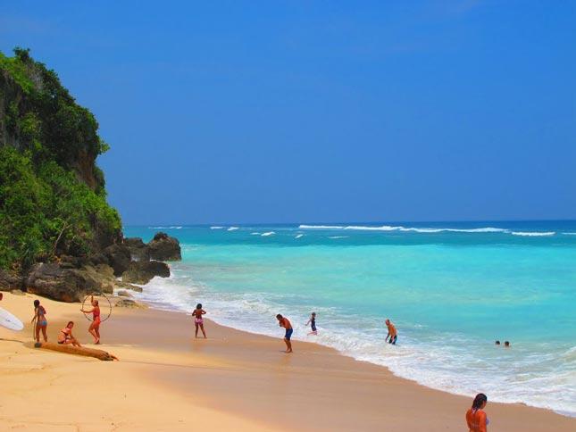 Keindahan panorama alam pantai Pandawa Bali