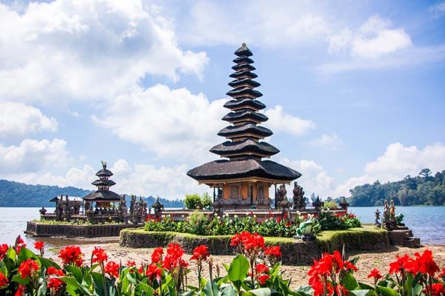Wisata Pura Ulun Danu Bratan di Bali