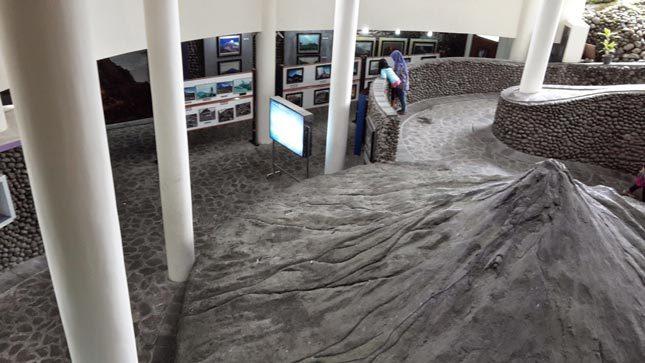 Museum Vulkanologi di Ketep Pass