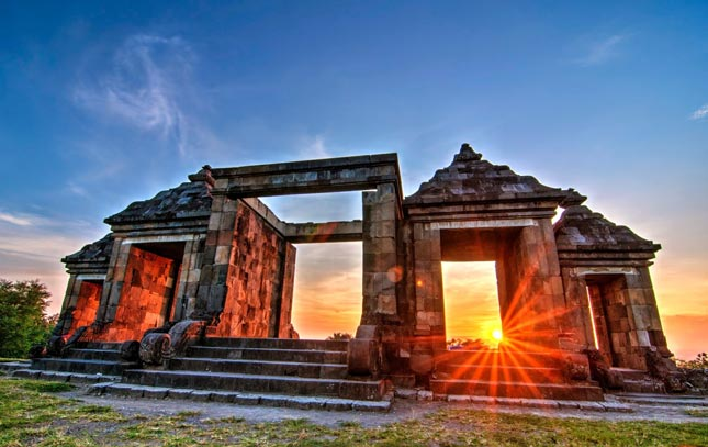 Sunset di candi Ratu Boko Jogja