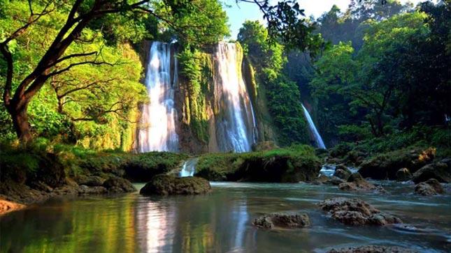 Destinasi wisata alam curug Cikaso Sukabumi