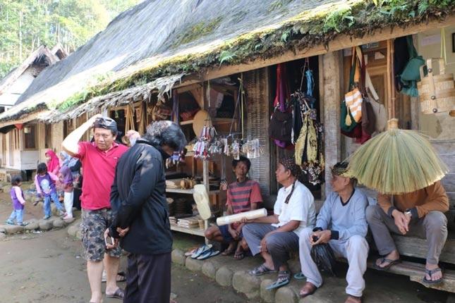 Aktivitas di Kampung Naga