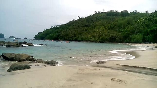 Wisata pantai Ngampiran