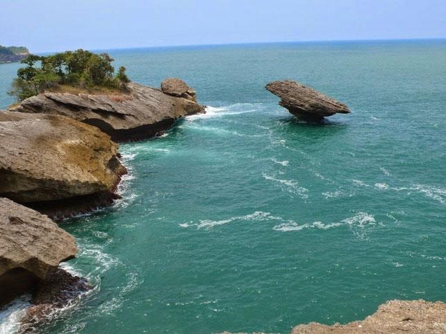Wisata pantai Popoh Tulungagung