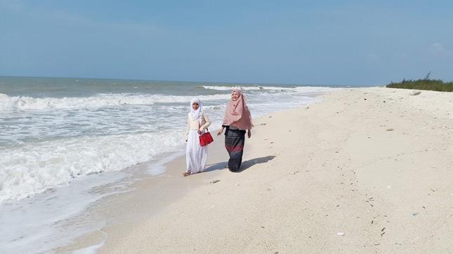Destinasi pantai Remen