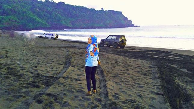 Pantai Rowo Cangak di Jember