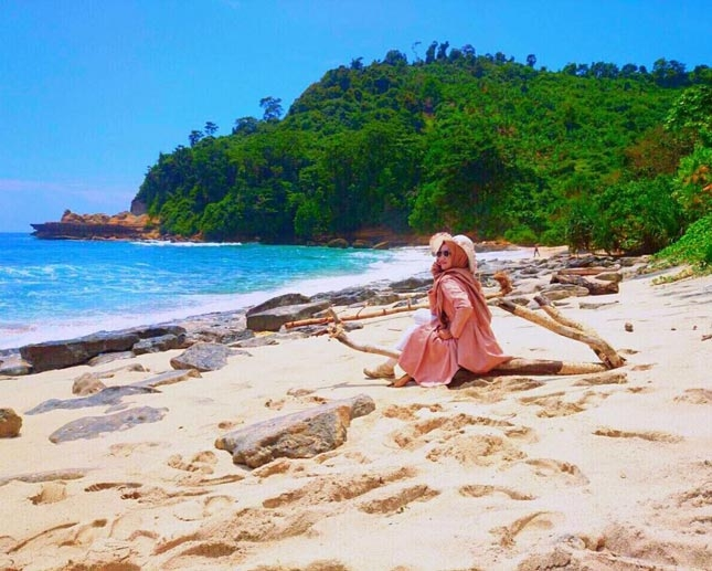 Wisata pantai Sanggar Tulungagung