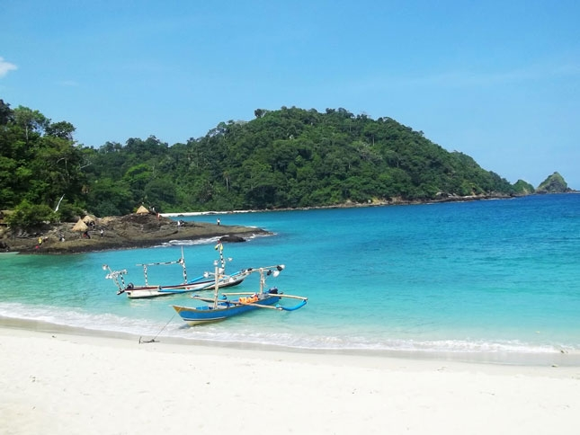 Wisata pantai Wedi Ireng