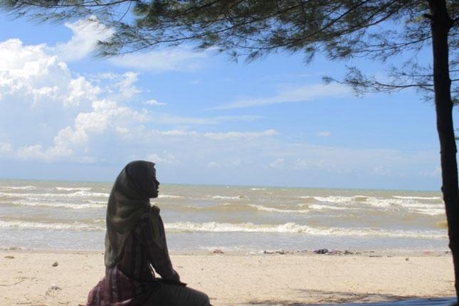 Wisata alam pantai Balongan indah
