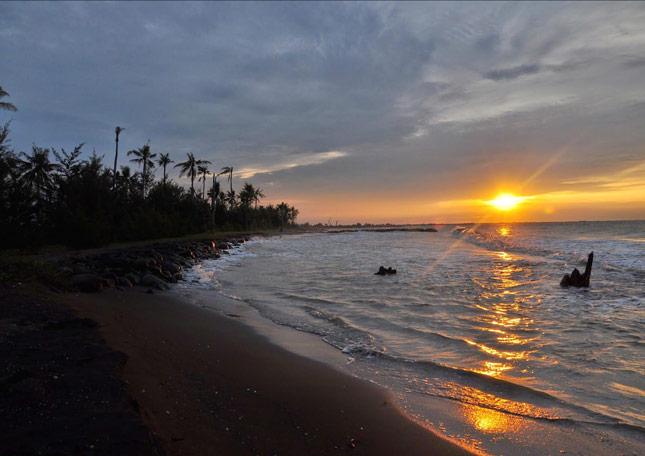 Wisata pantai di Pekalongan Jawa tengah