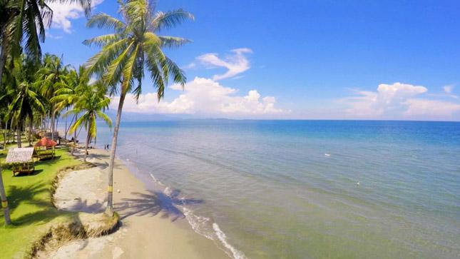 Wisata pantai di Sulawesi
