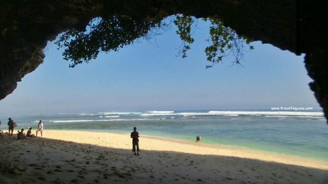 Wisata pantai Green Bowl Bali
