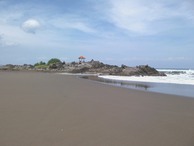Spot liburan pantai Karang Paranje