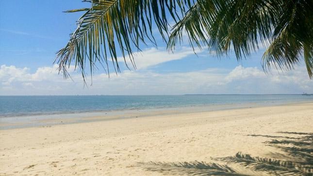 Wisata pantai Kemala Balikpapan